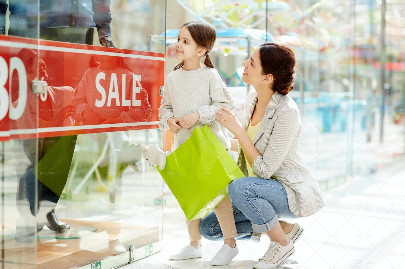 Shopping With Daughter: Stock Photos