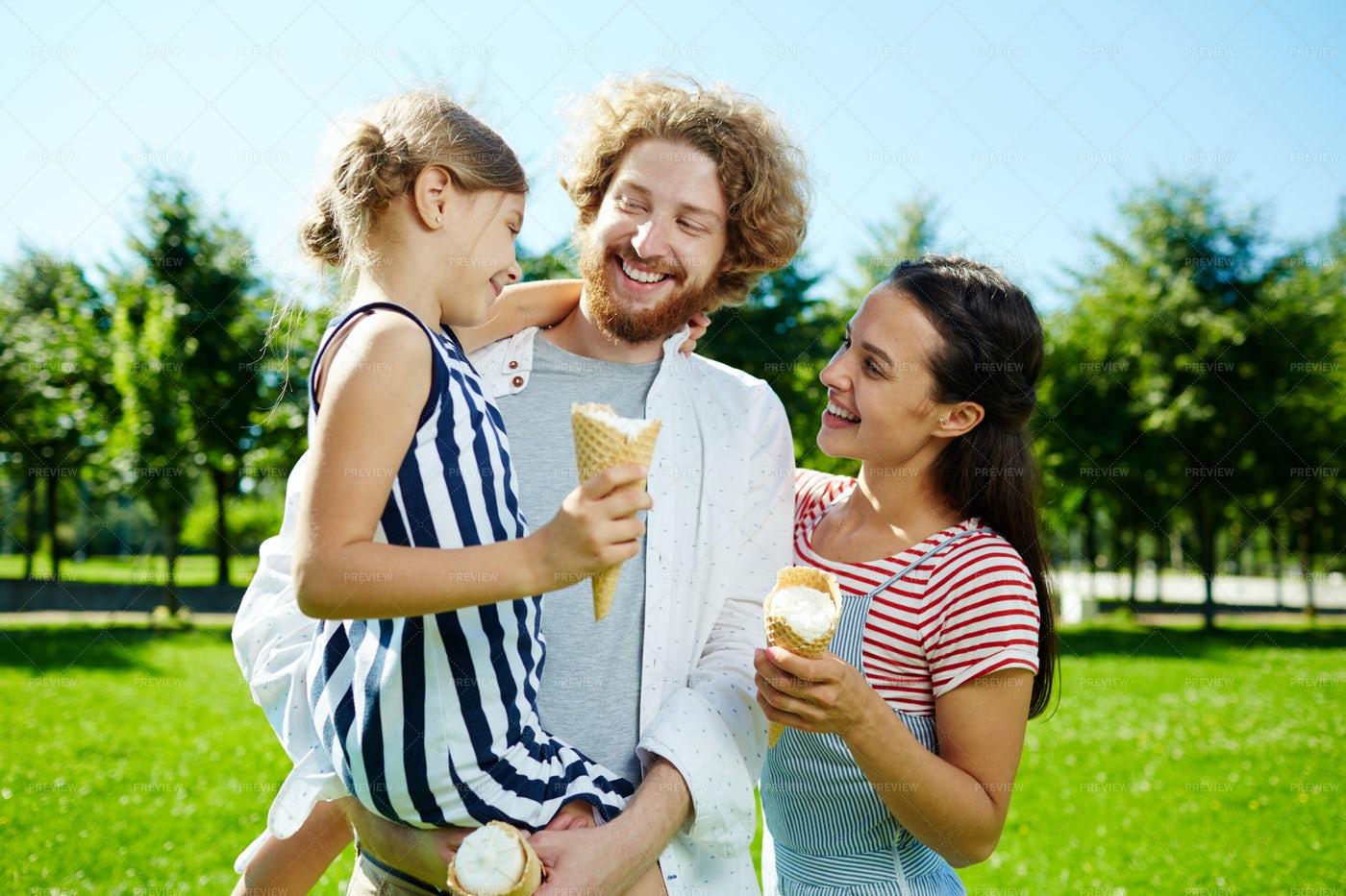 Summer Weekend: Stock Photos