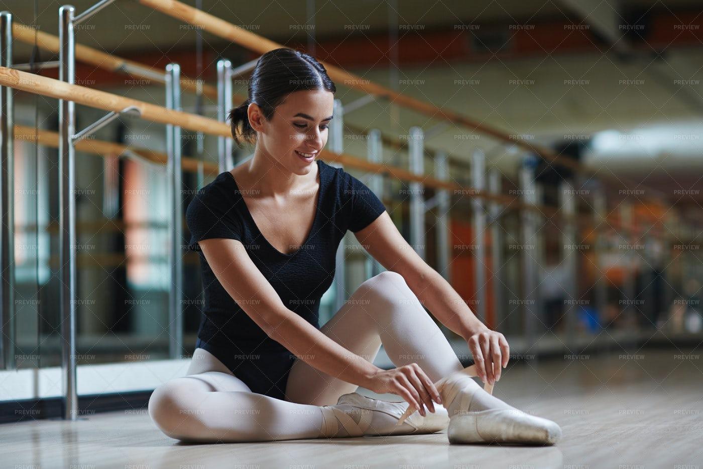Starting Ballet Lesson: Stock Photos