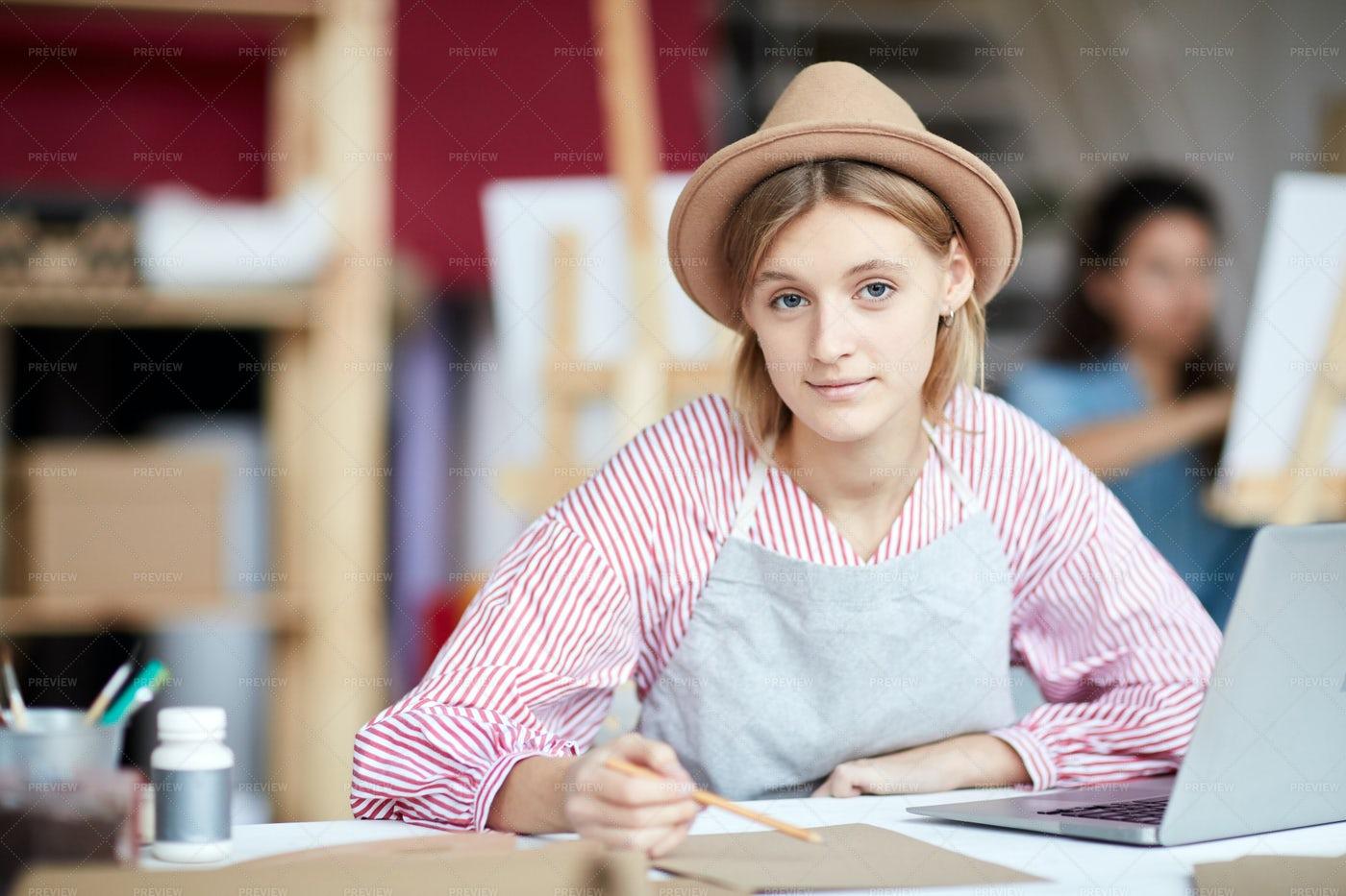 Girl Making Sketch: Stock Photos