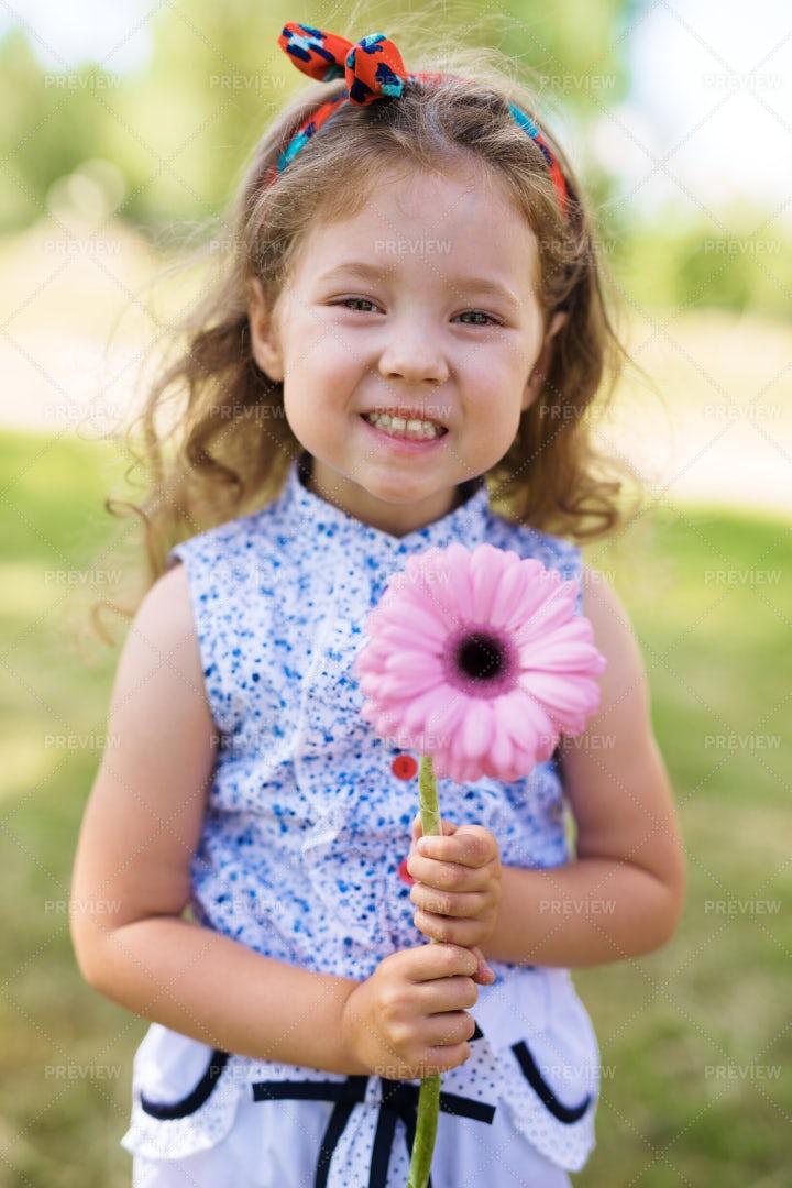 Cute Girl With Flower: Stock Photos
