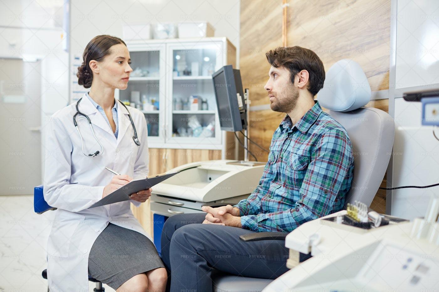 Visiting Doctor: Stock Photos
