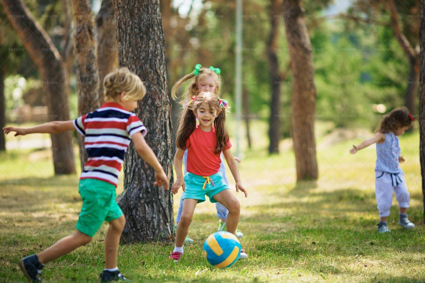 Children Enjoying Game: Stock Photos