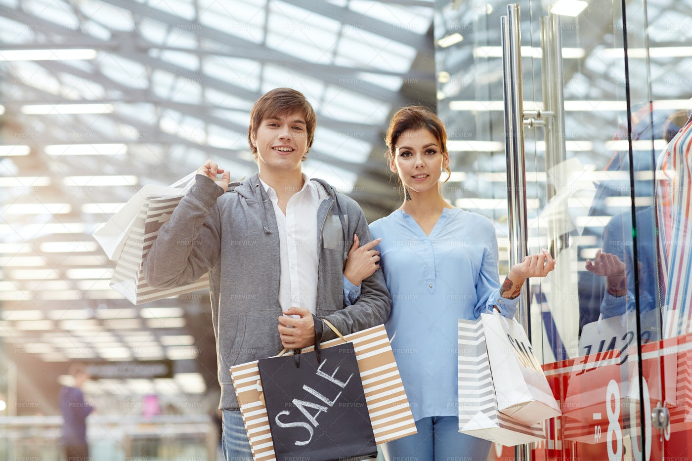 Shoppers In The Mall: Stock Photos