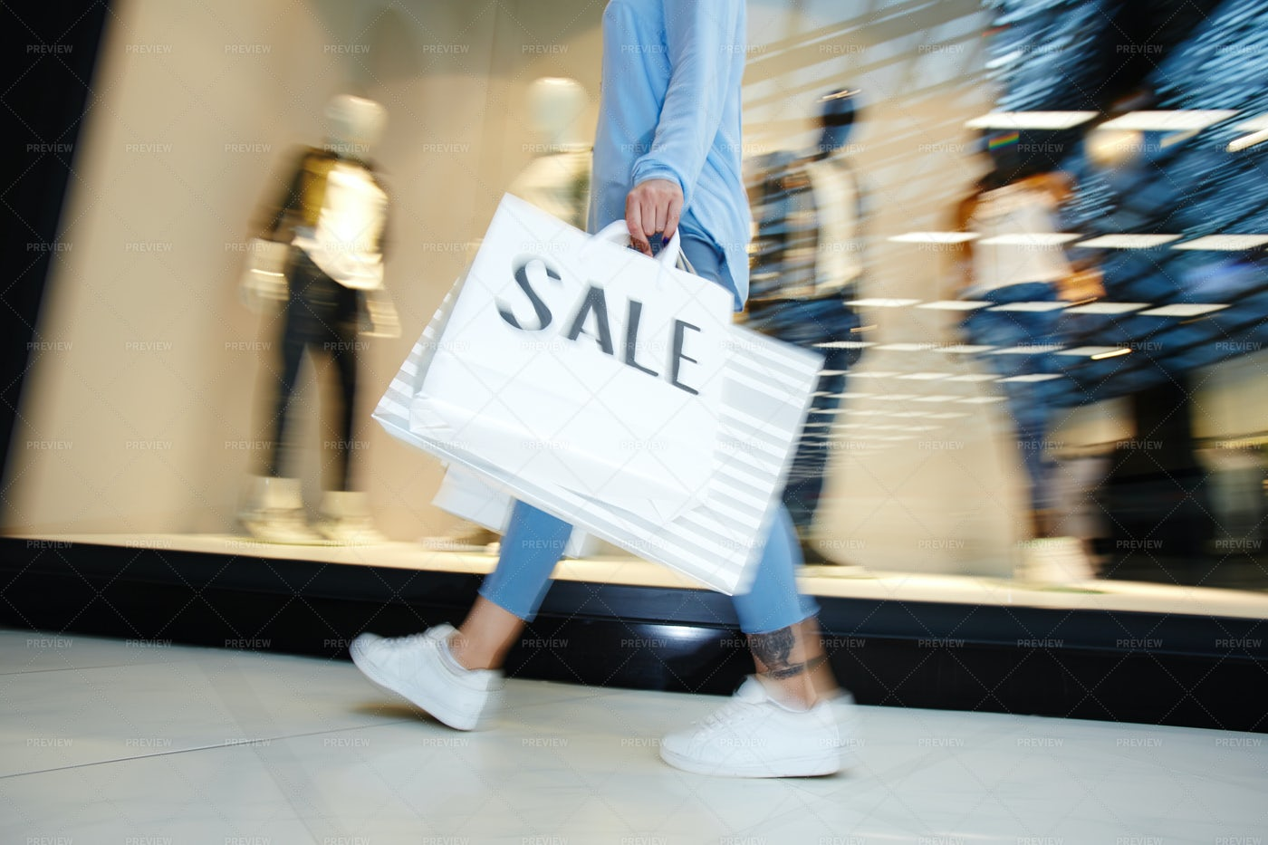 Buyer In The Mall: Stock Photos