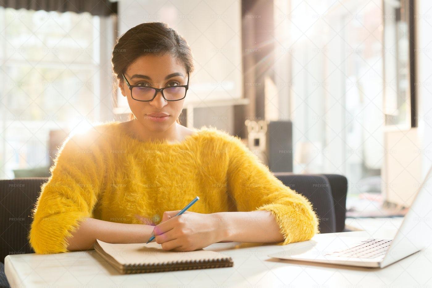 Contemporary Businesswoman: Stock Photos