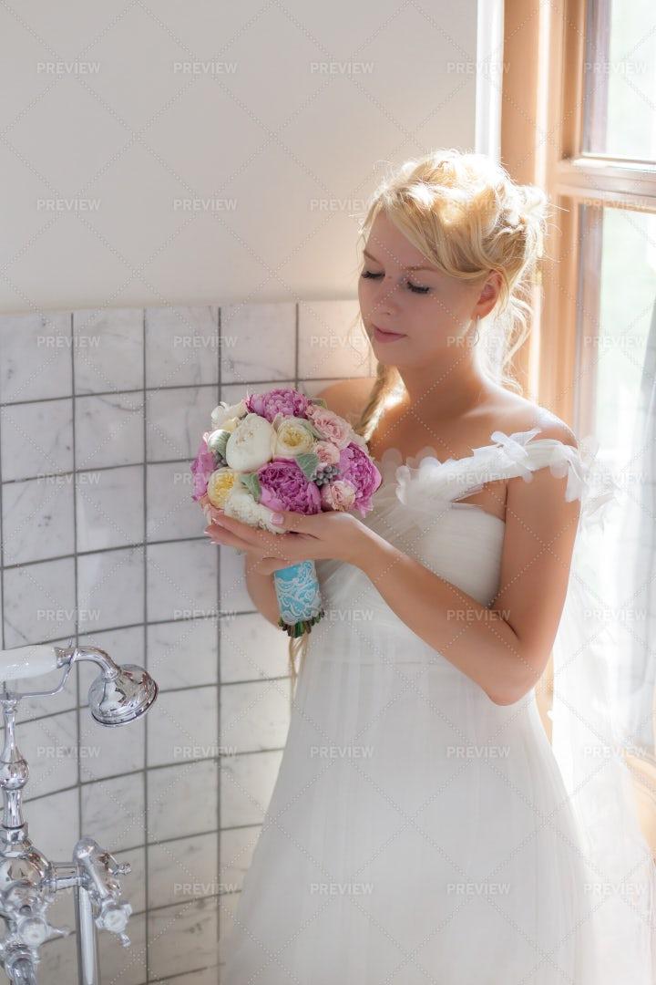 Bride In The Bathroom: Stock Photos
