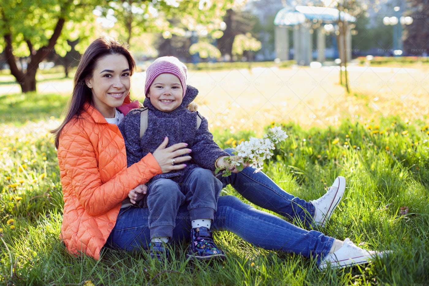 Mother With Her Child: Stock Photos