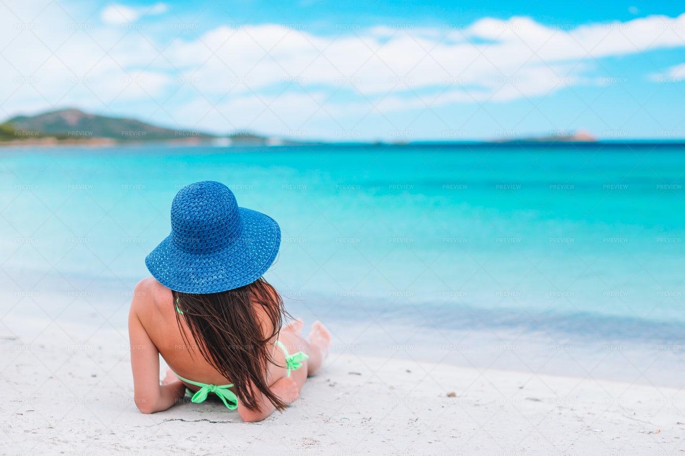 Woman Sunbathing: Stock Photos
