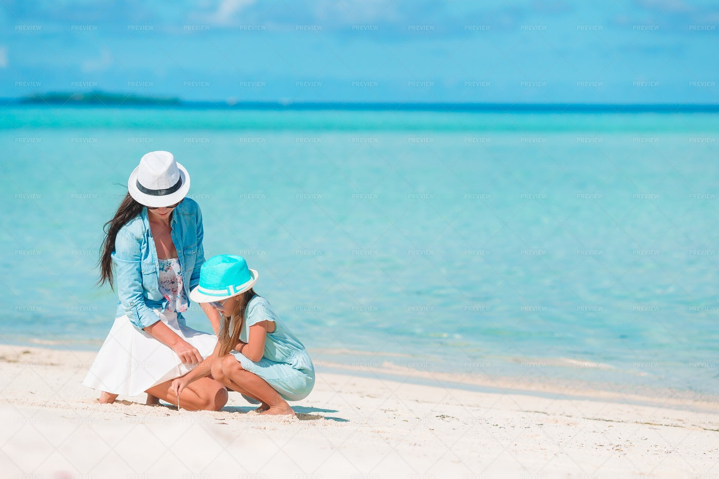 Mother And Daughter At The Caribe: Stock Photos