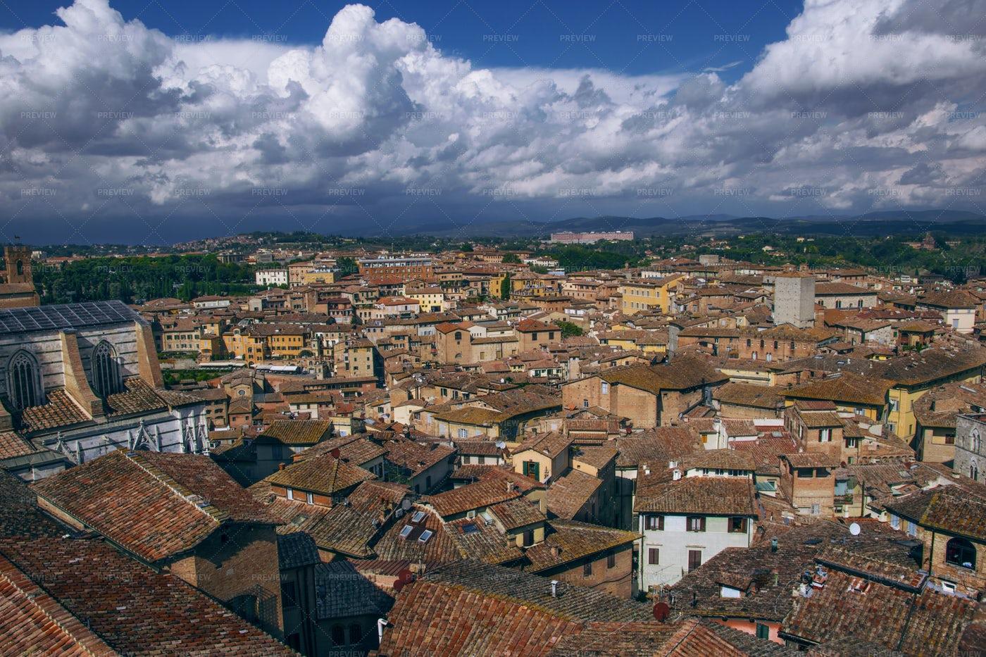 Tuscany Cityscape: Stock Photos