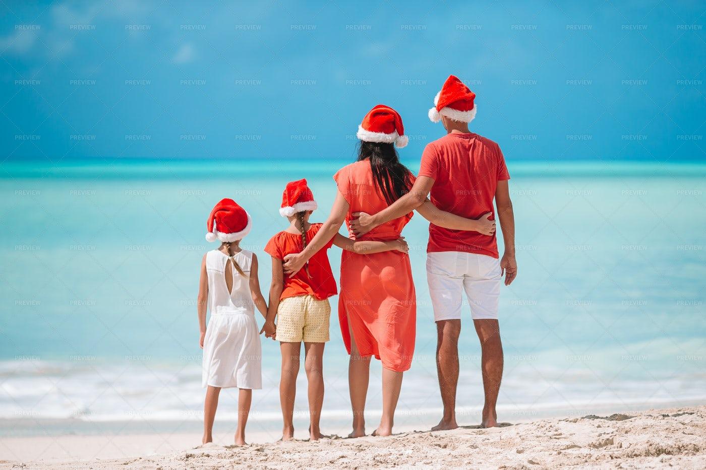 Family With Santa´s Hat: Stock Photos