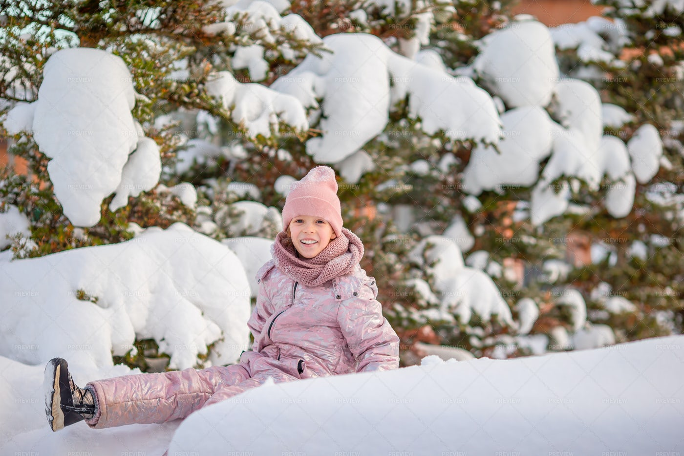 Kid In Winter: Stock Photos
