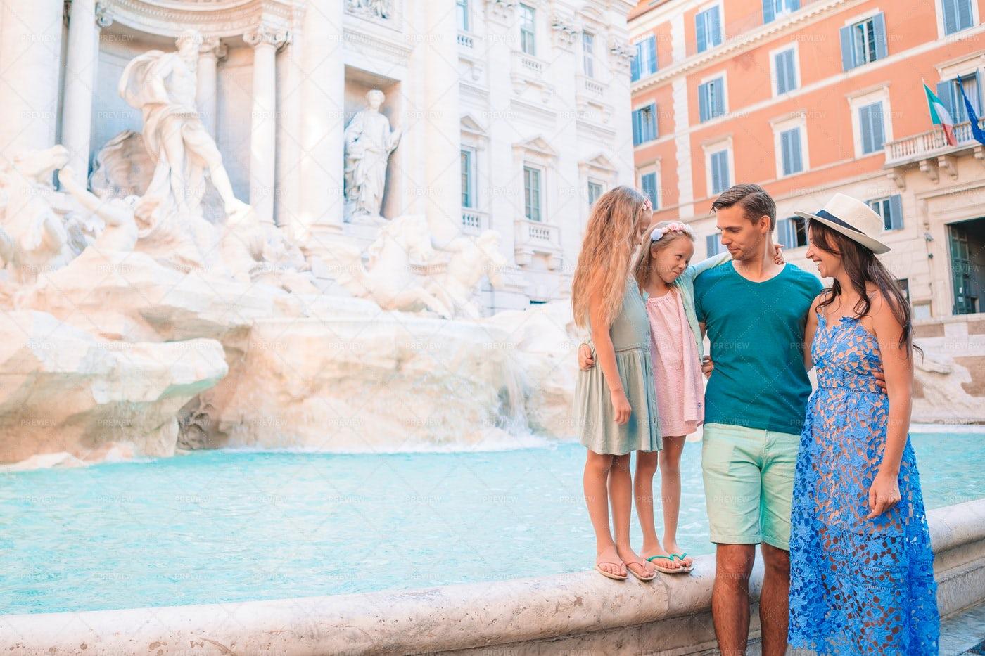 Family At Fontana Di Trevi: Stock Photos