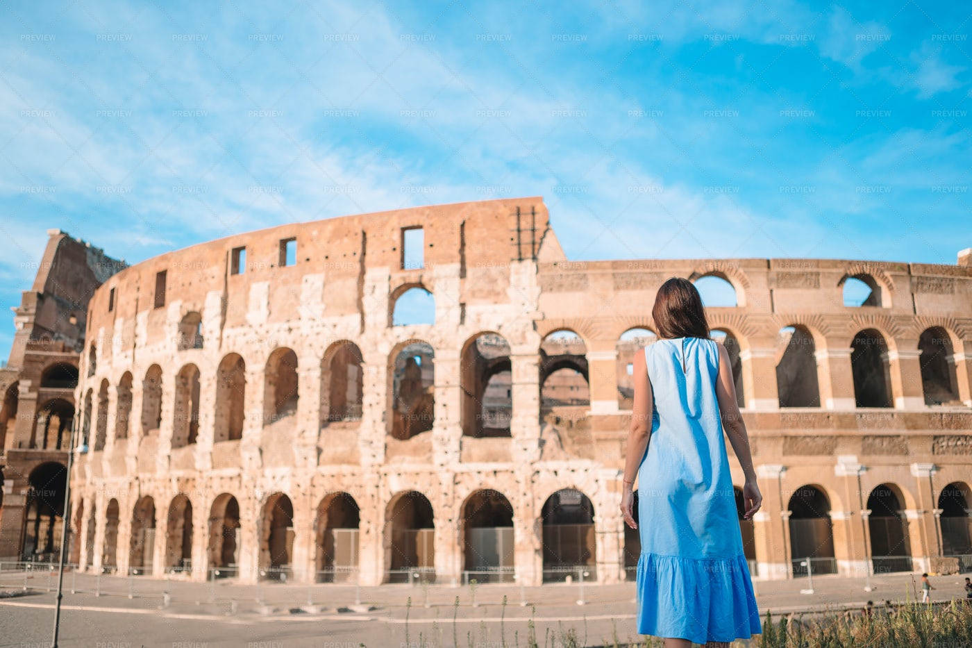 Enjoying The Colosseum: Stock Photos