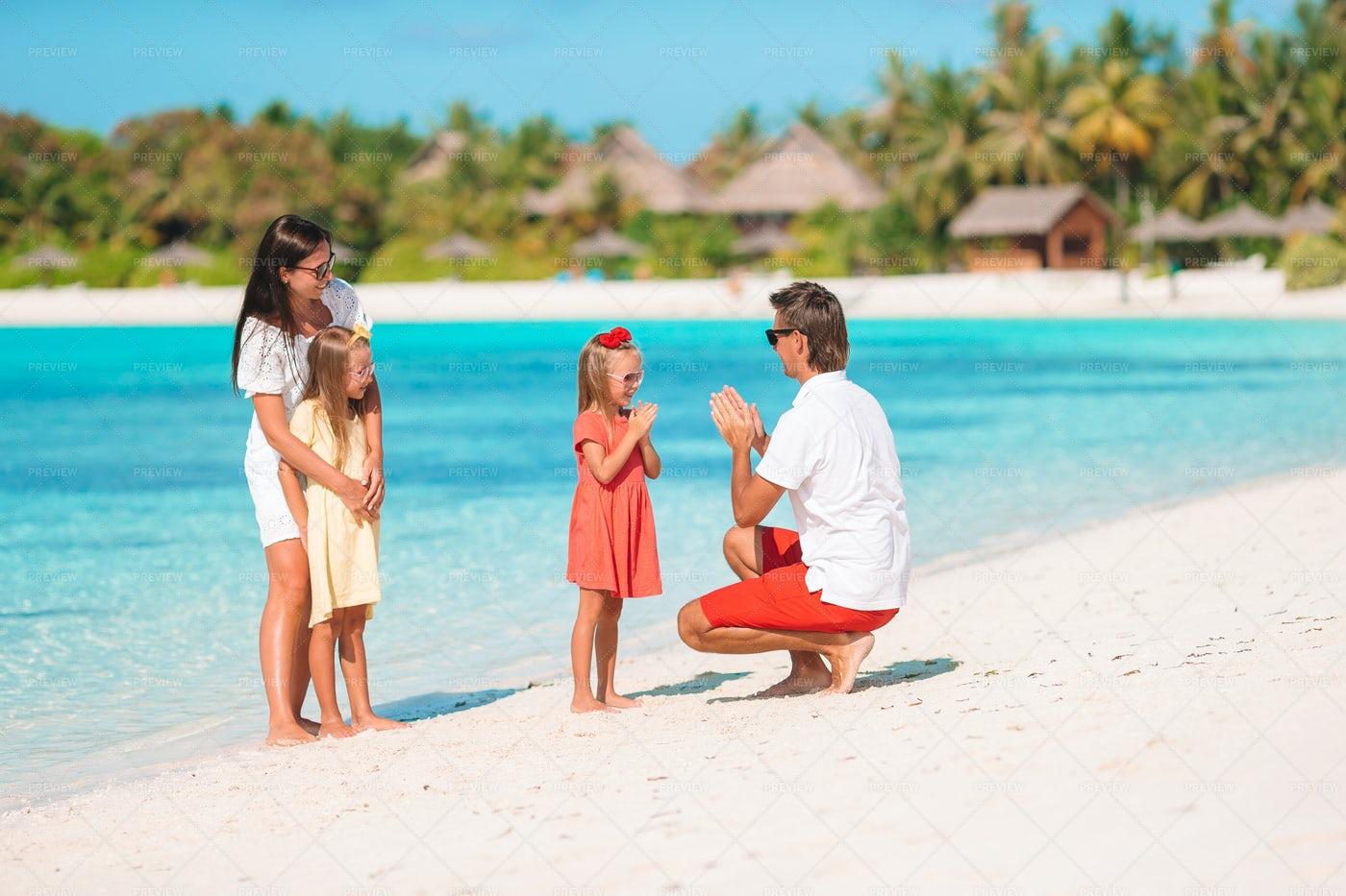 Vacationing Family: Stock Photos