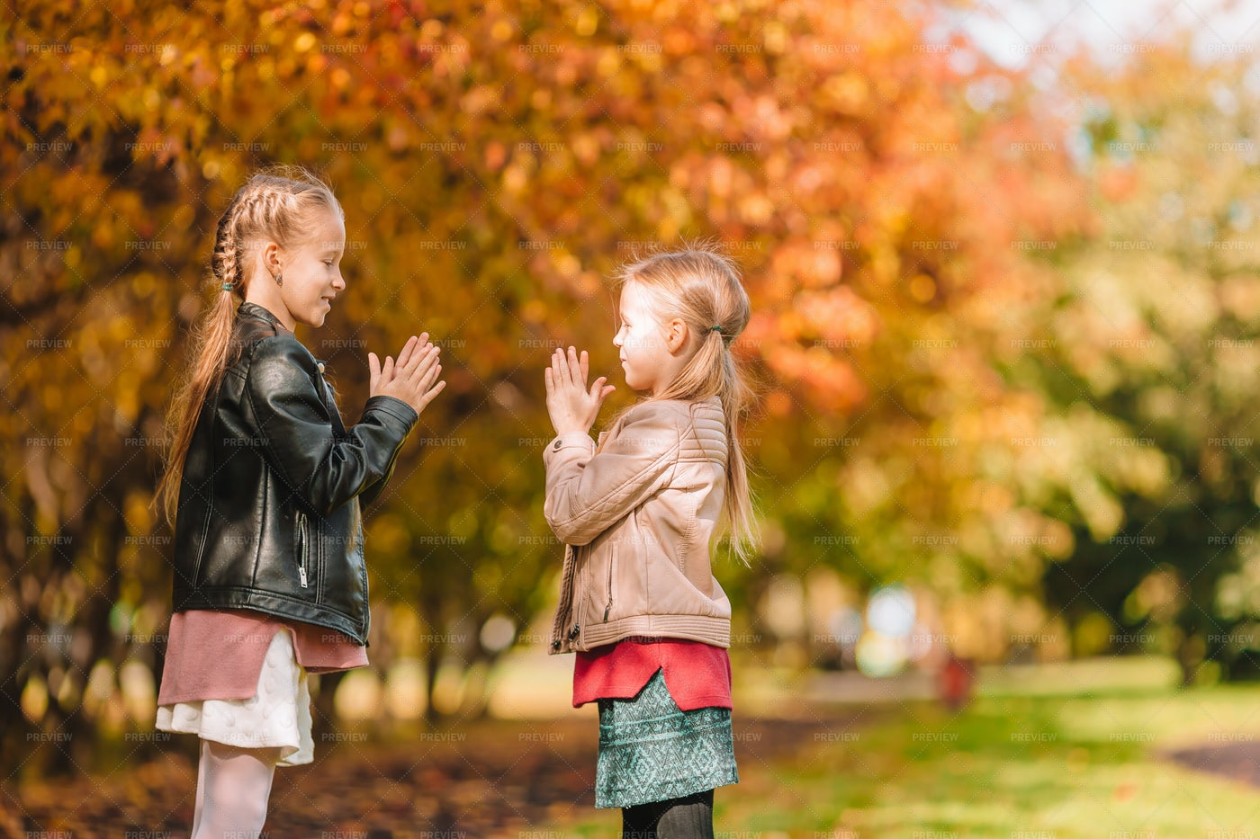 Playing Clapping Games With Sister: Stock Photos