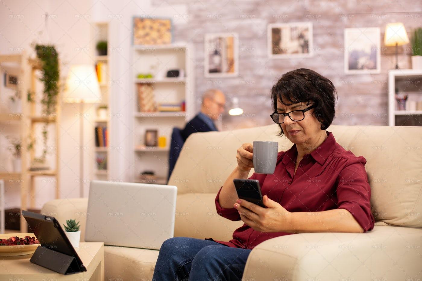 Elderly Lady Using Modern Technology: Stock Photos