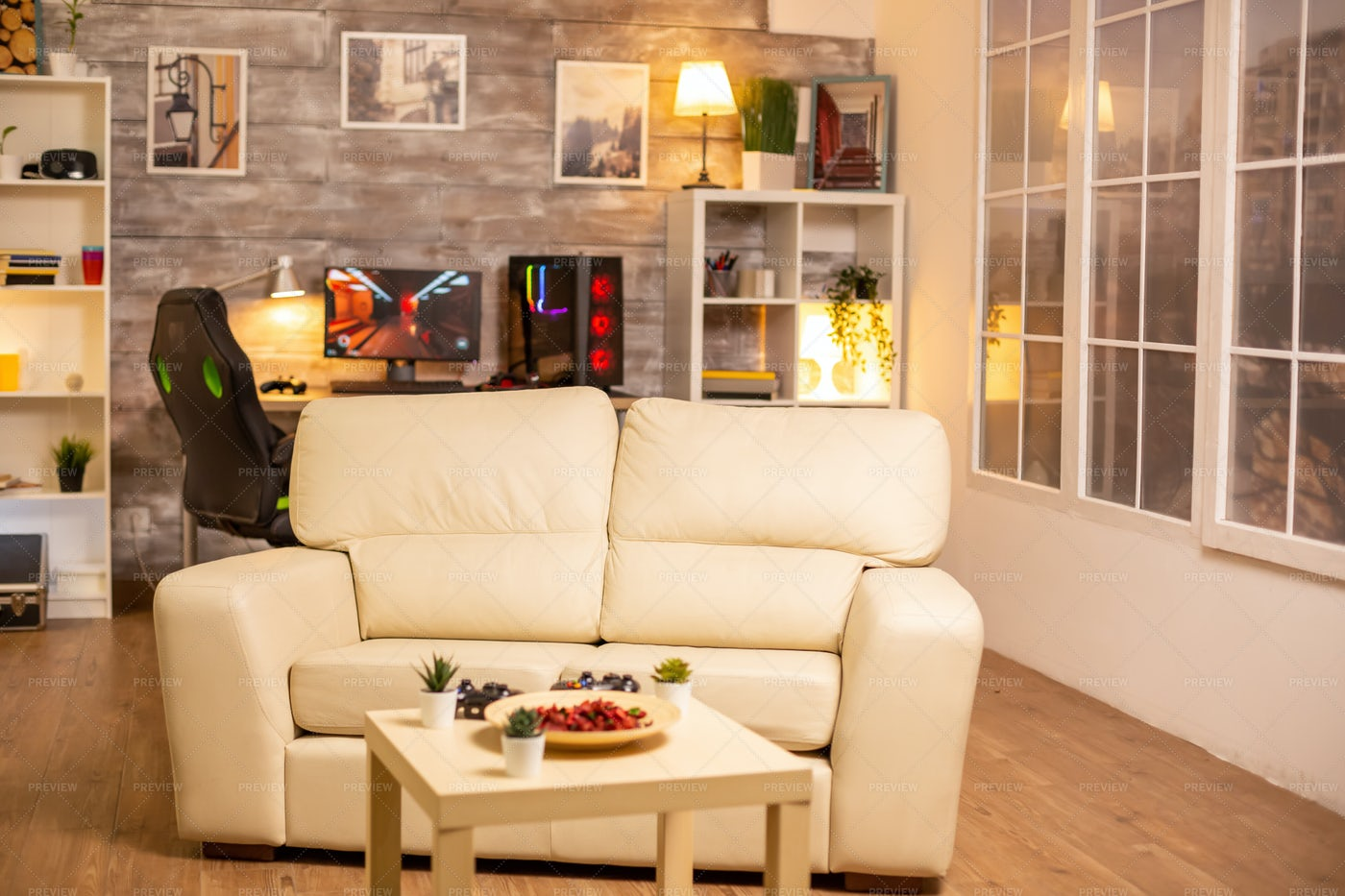Empty Living Room Interior: Stock Photos