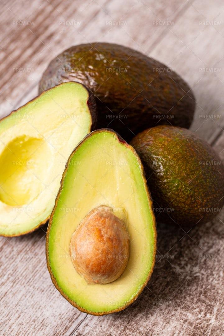 Sliced Avocados: Stock Photos