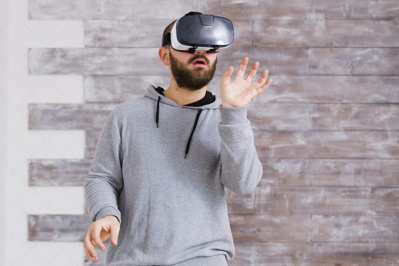 VR Home Designing: Stock Photos
