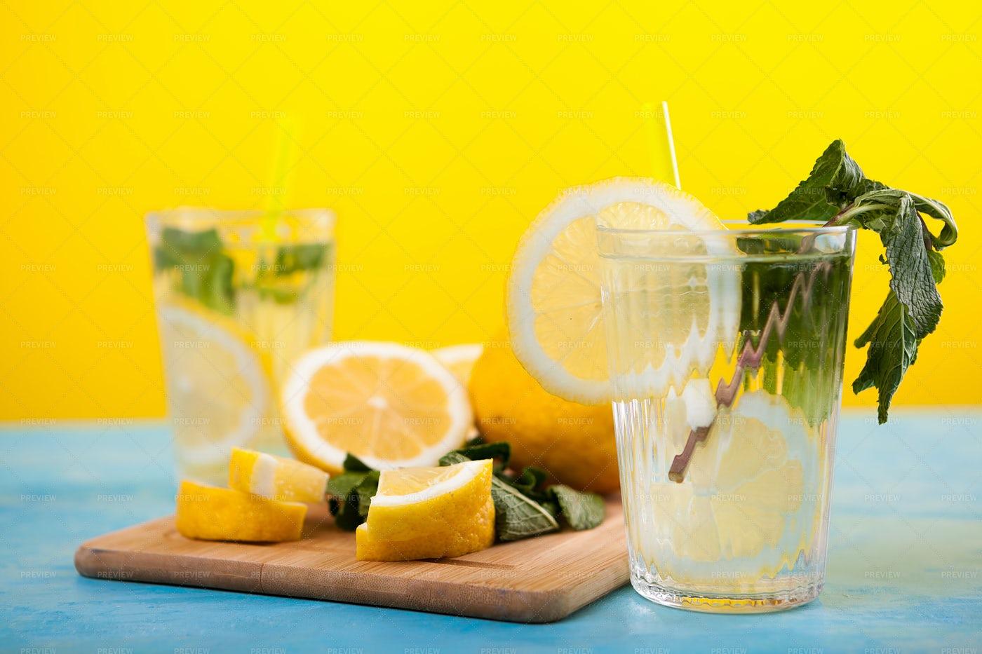 Homemade Detox Lemonade: Stock Photos
