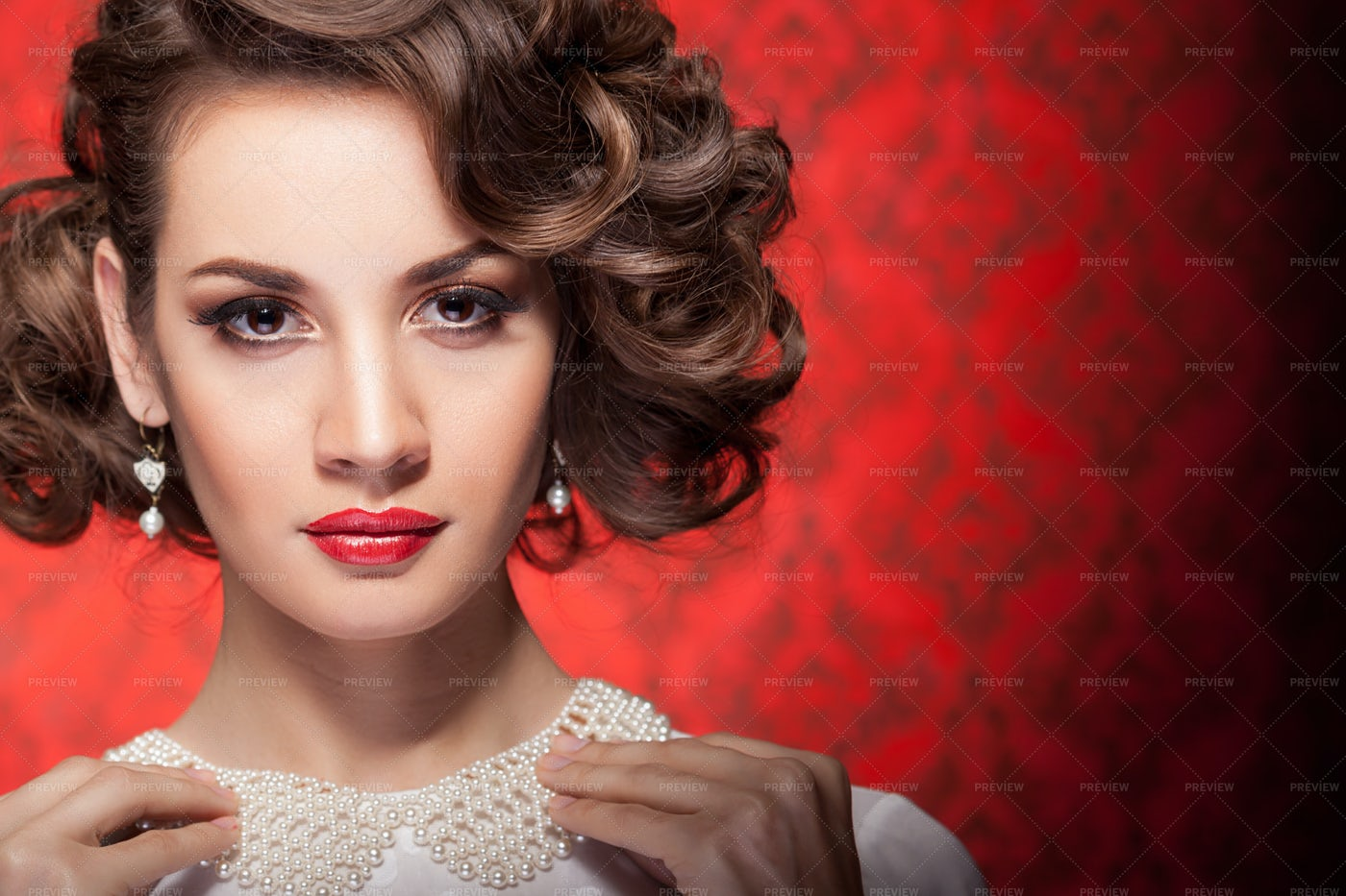 Woman With Pearl Collar: Stock Photos
