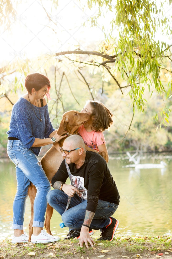 Quiality Time With Family: Stock Photos