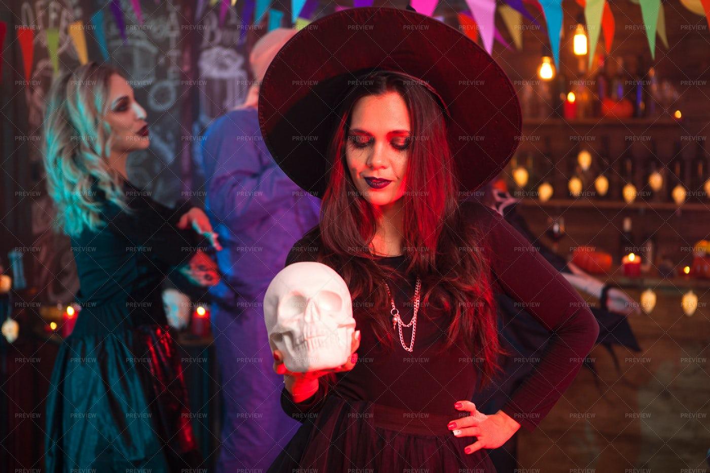 Halloween Fun With A Skull: Stock Photos