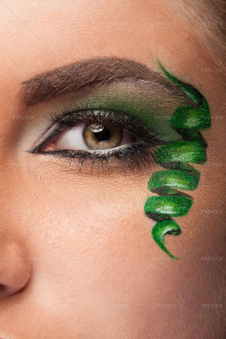 Green Spiral Eye Makeup: Stock Photos