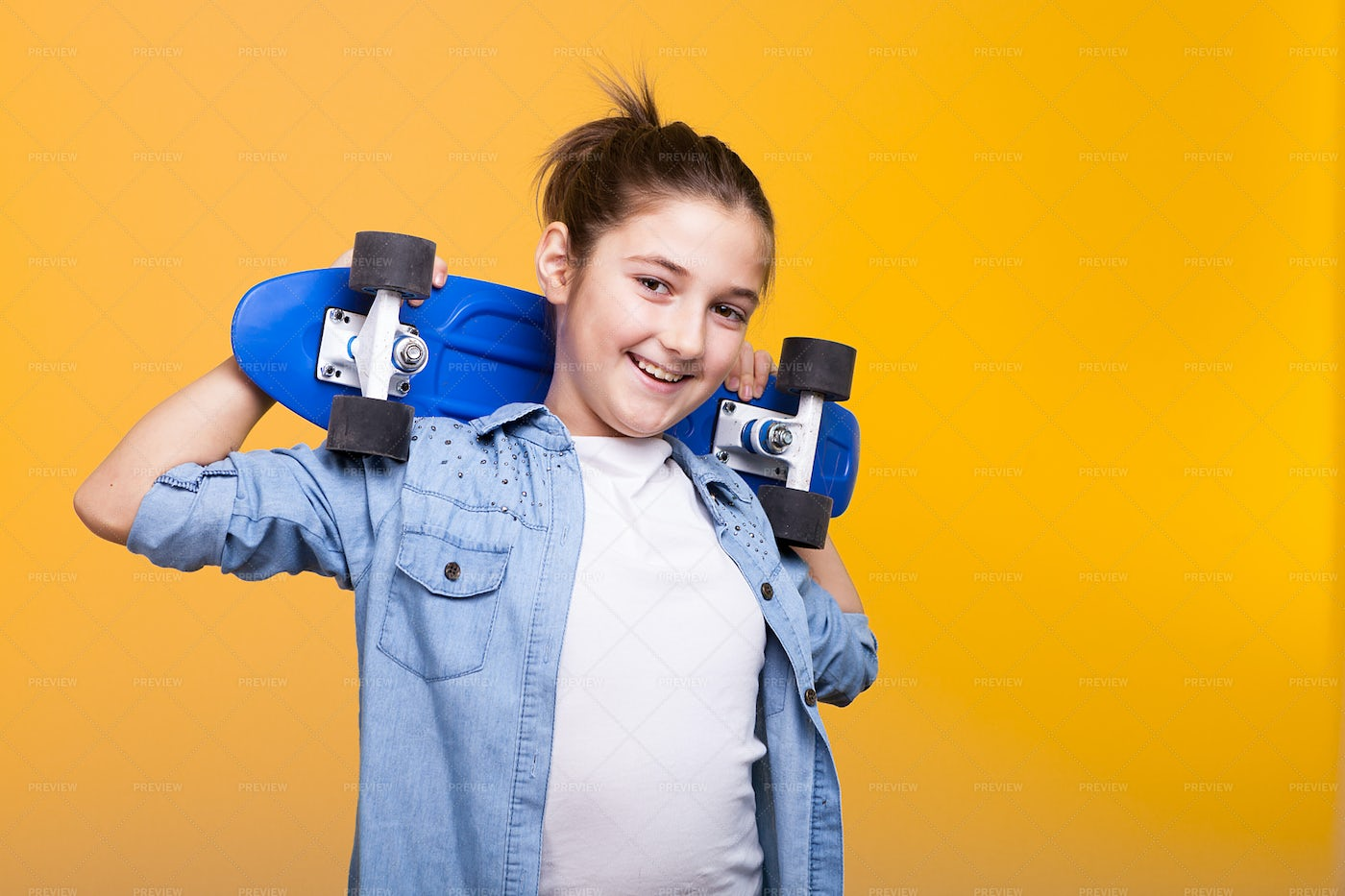 Girl With Penny Board: Stock Photos