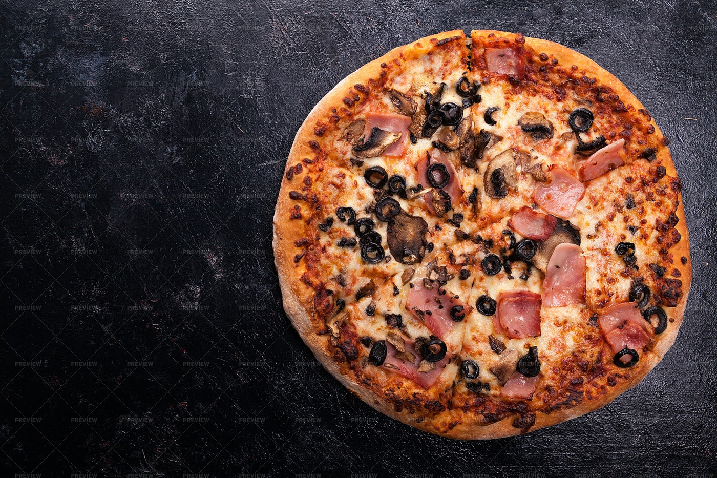 Ham And Olive Pizza: Stock Photos