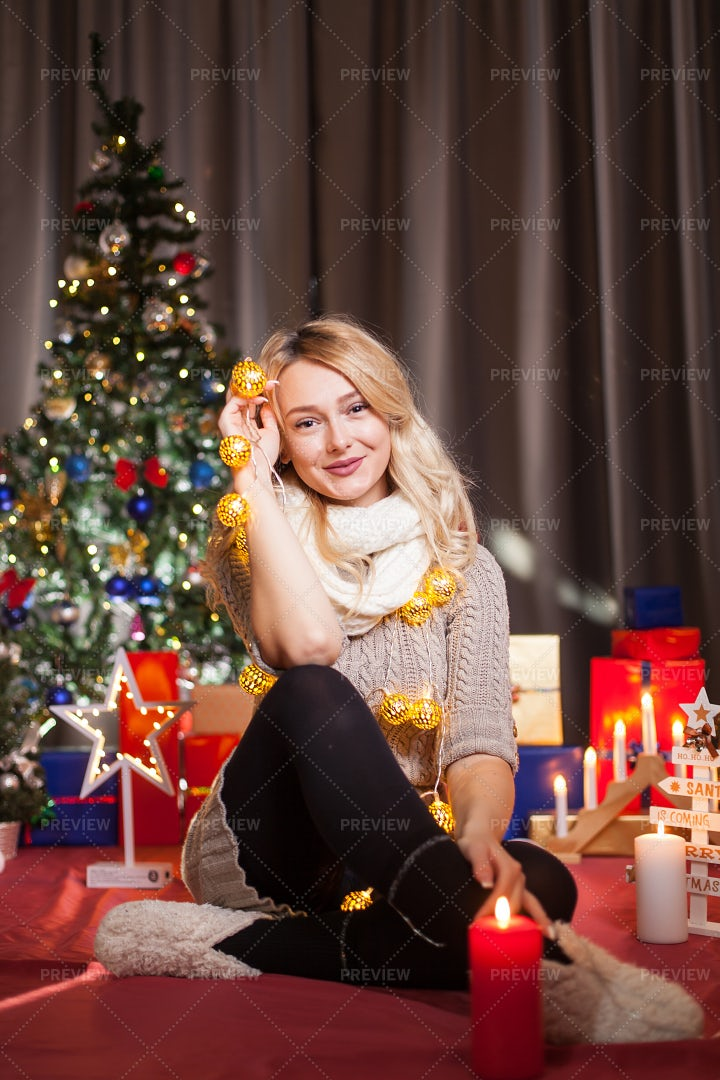 Decorating For Christmas: Stock Photos