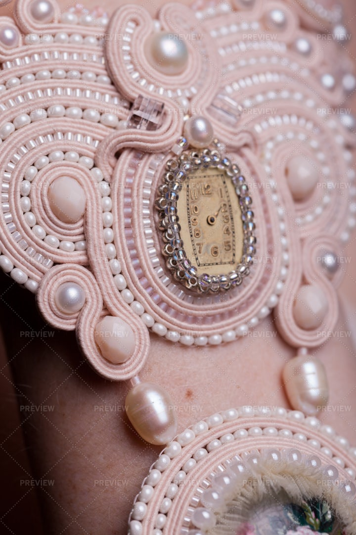 Vintage Inspired Jewelry: Stock Photos