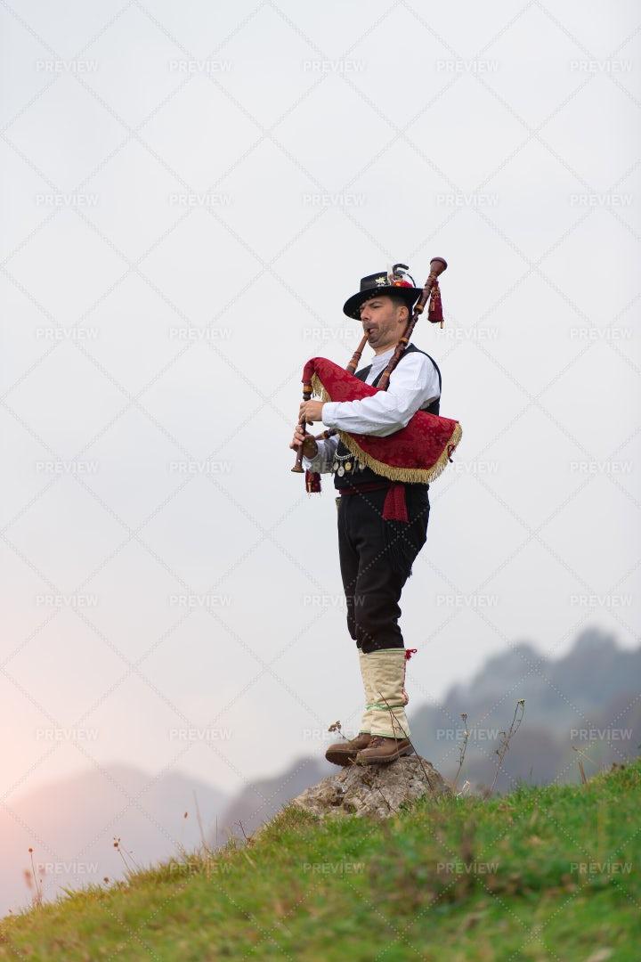 Man Plays The Bagpipe: Stock Photos