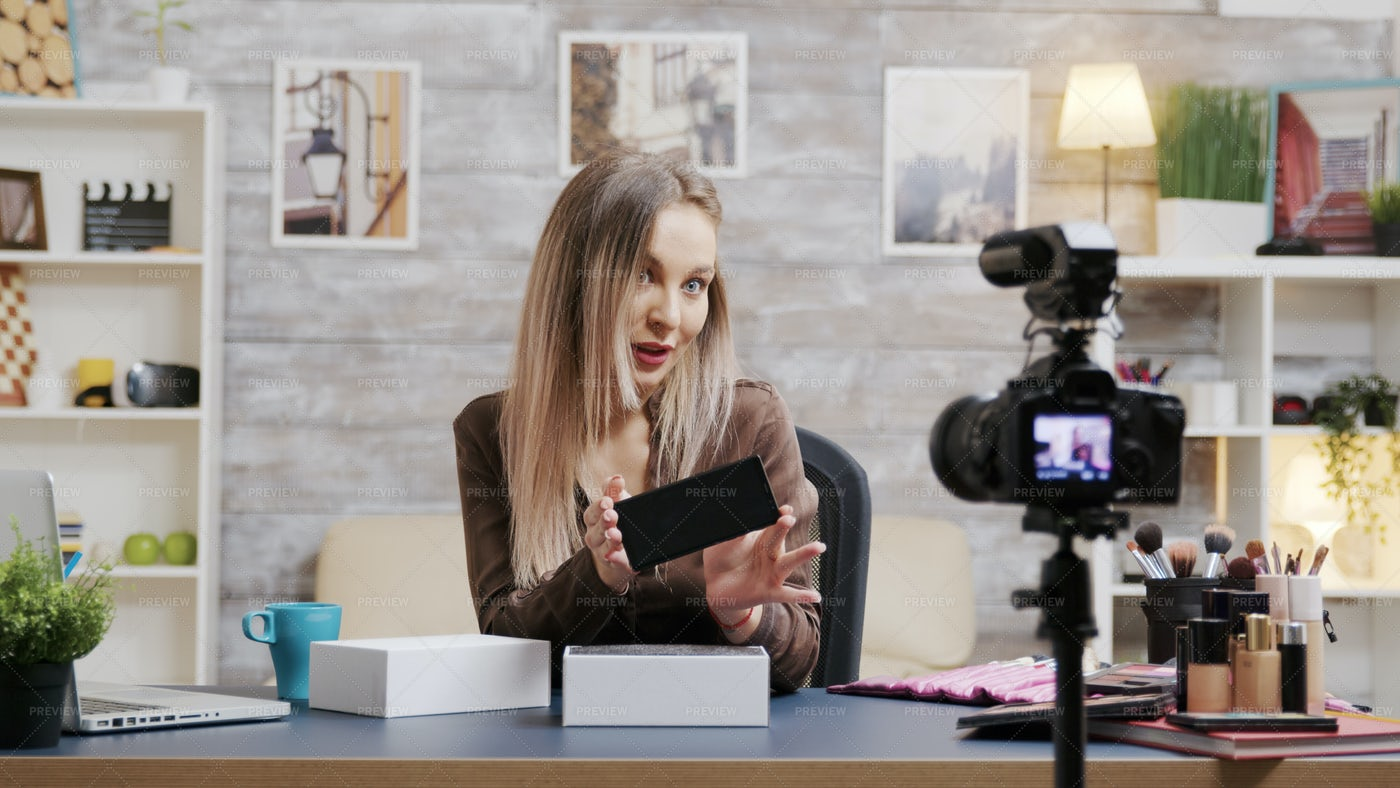 Famous Beauty Influencer Recording: Stock Photos