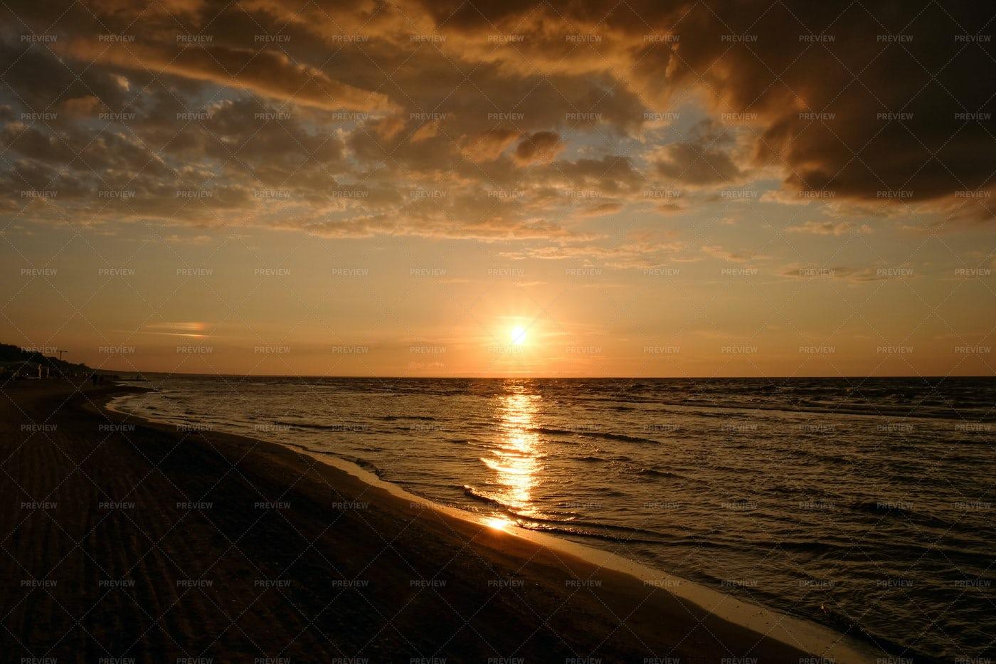Evening Golden Sea: Stock Photos