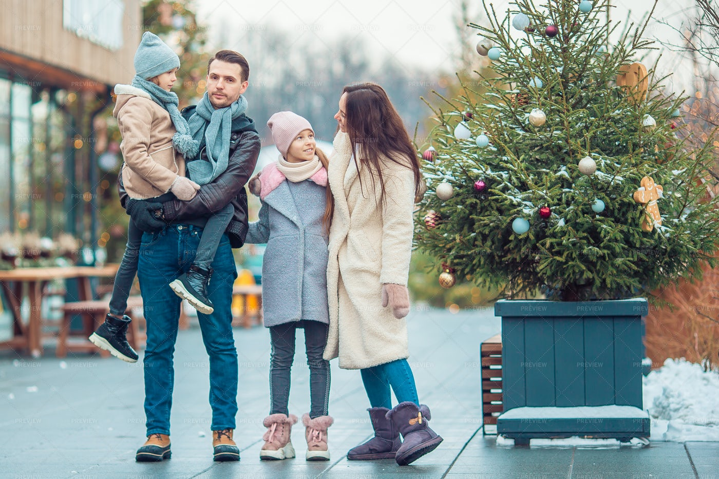 Family In Outdoor Shopping Center: Stock Photos