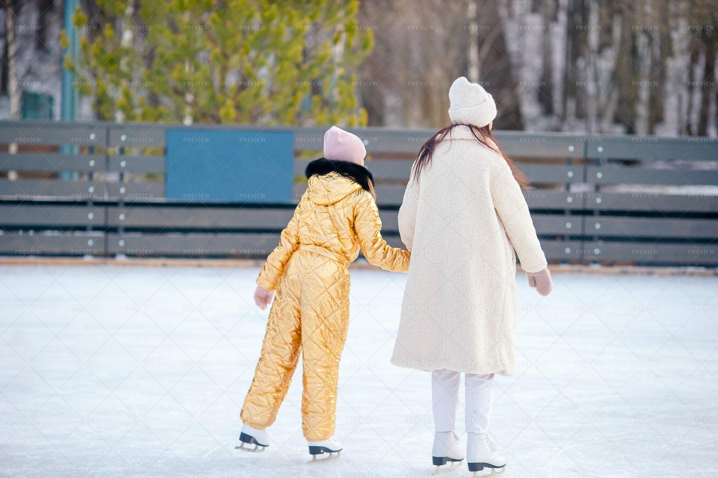 Girls Ice Skating: Stock Photos