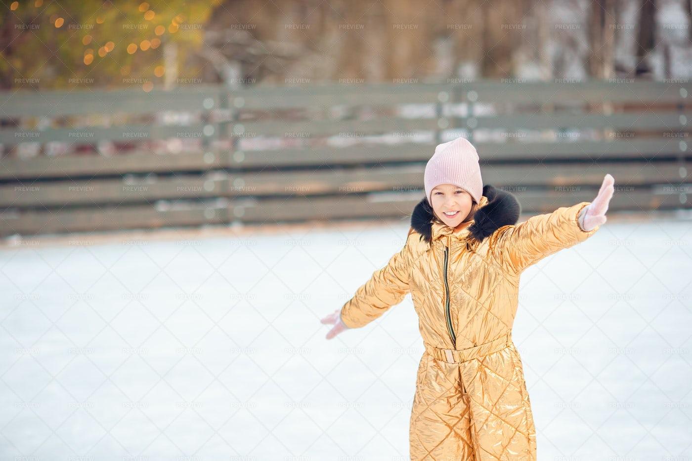 Girl Skating On Ice: Stock Photos