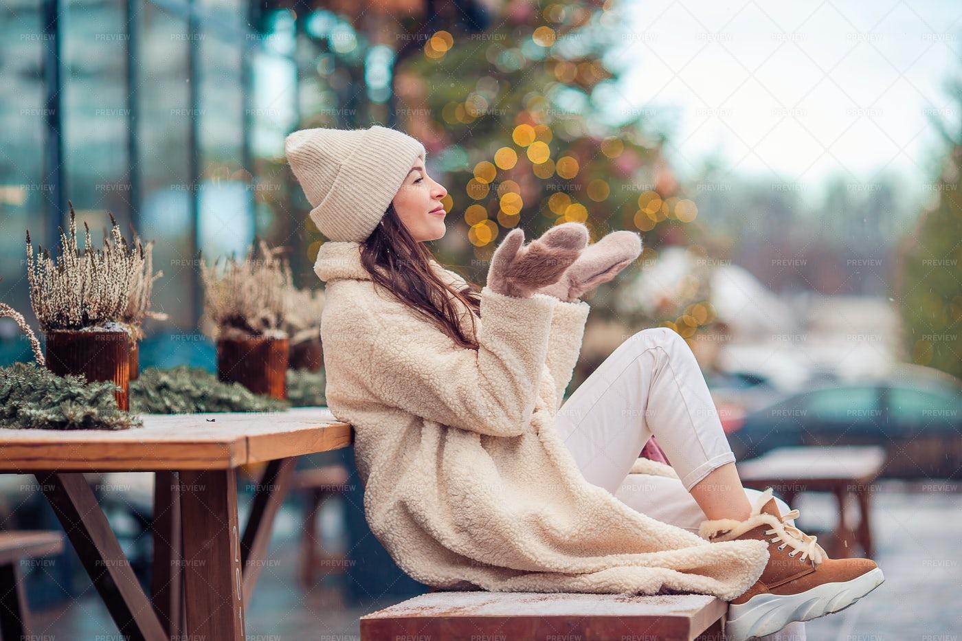 Enjoying The Winter: Stock Photos