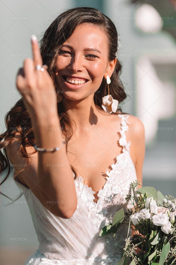 Bride Shows Off Ring: Stock Photos