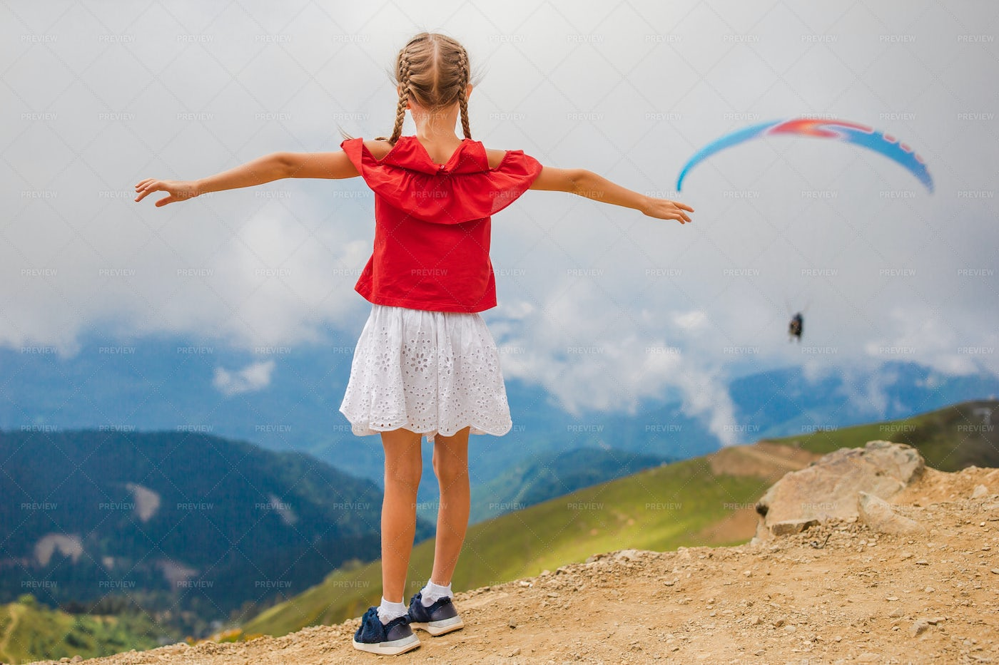 Little Girl Opening Her Arms: Stock Photos