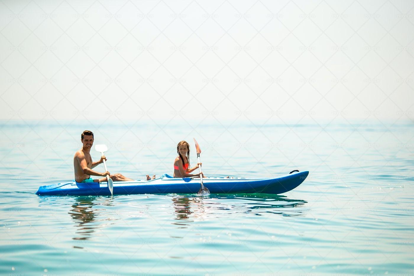 Family Kayaking: Stock Photos