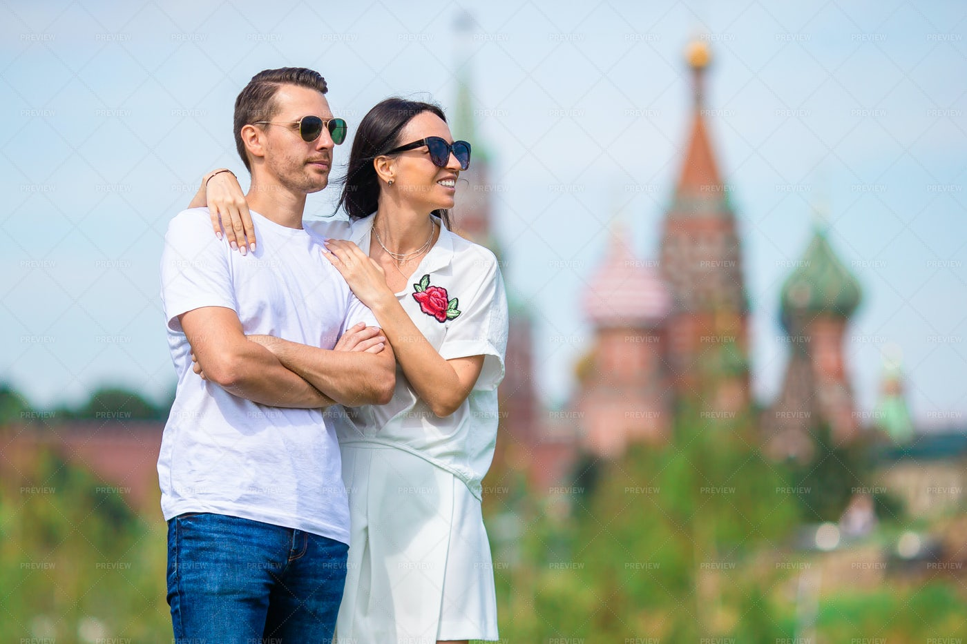 Couple Beside Moscow Cathedral: Stock Photos