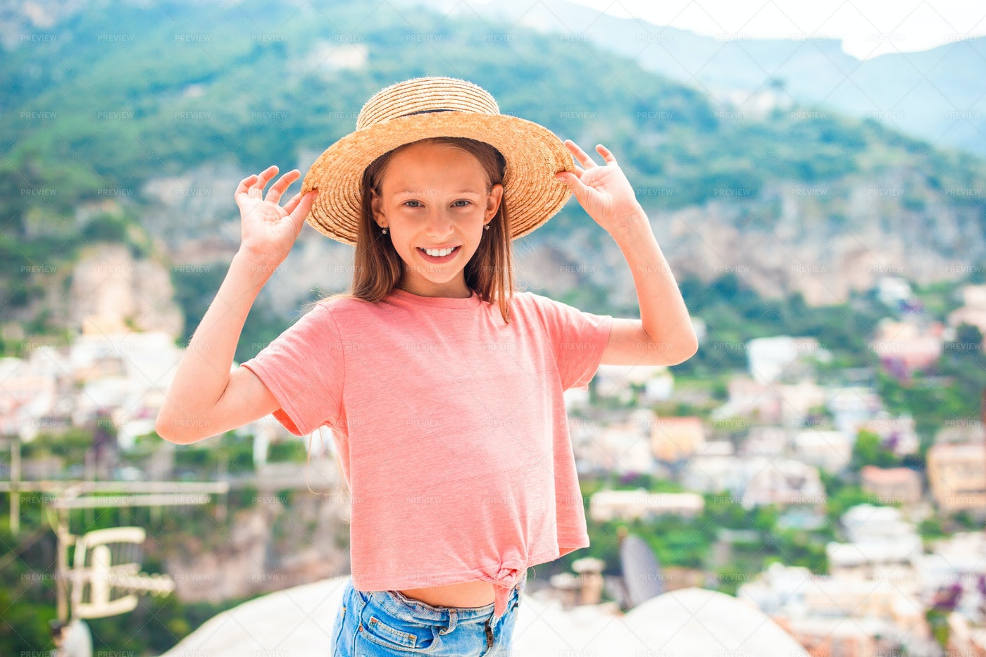 On The Cliffs Of Italy: Stock Photos