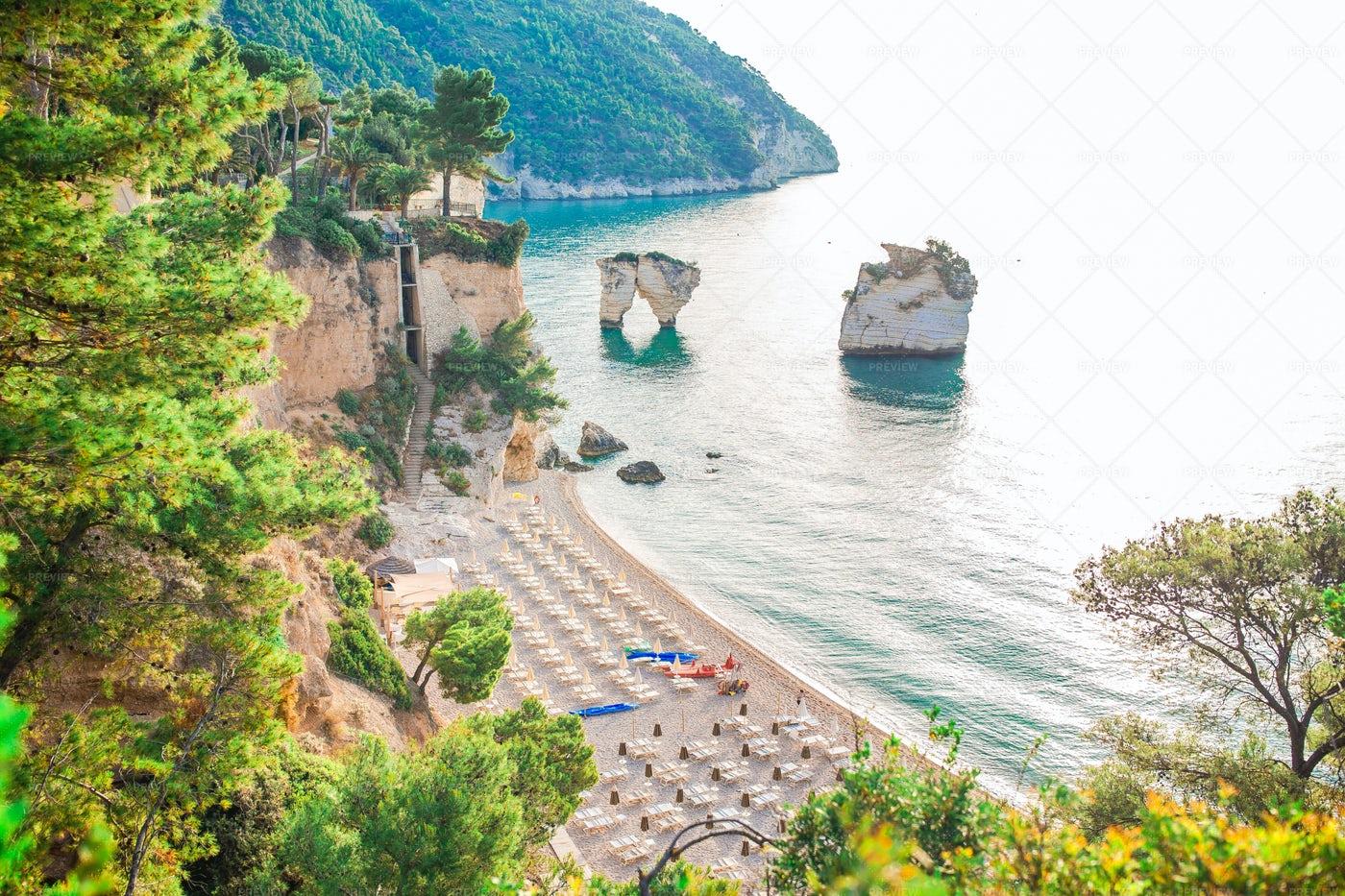 Mattinata Faraglioni Beach: Stock Photos