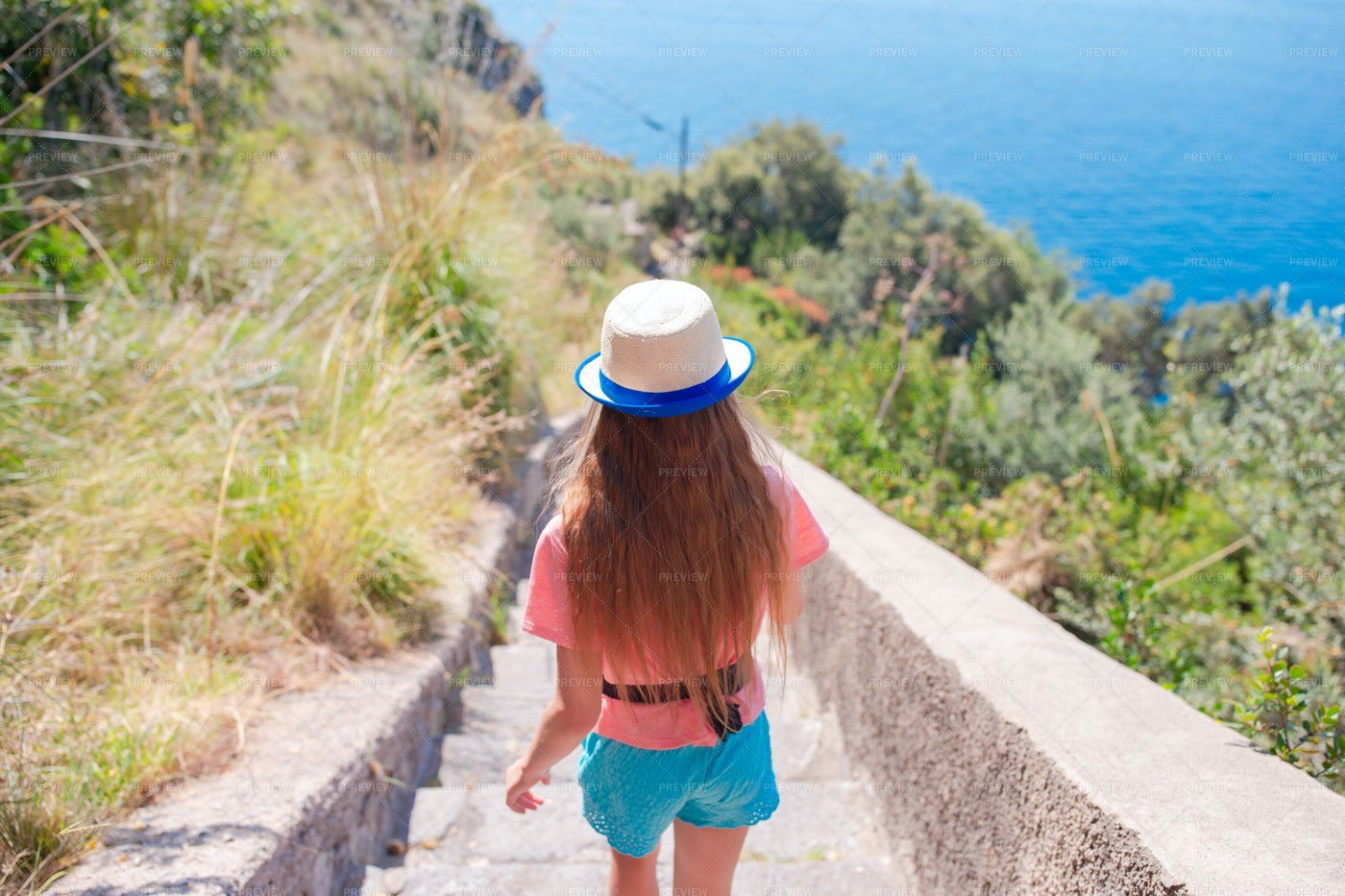 Down The Cliff Path: Stock Photos