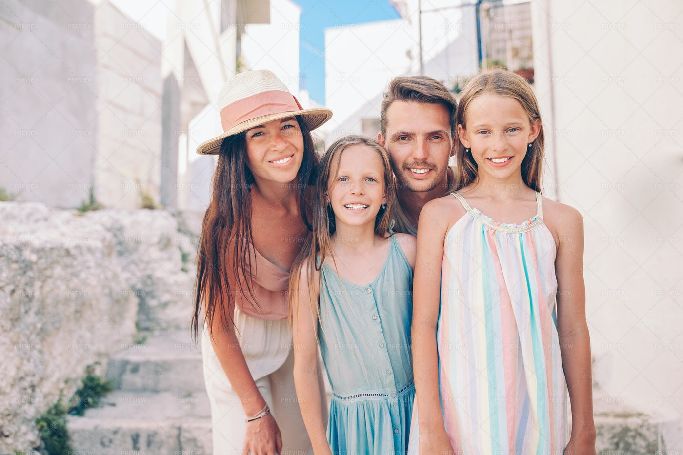 Family Vacationing Together: Stock Photos