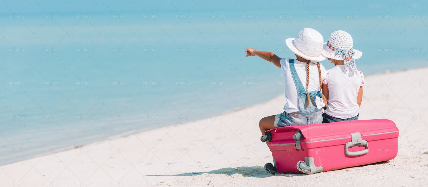 Little Girls On A Suitcase: Stock Photos